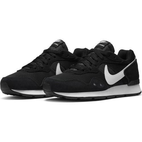 Nike Sneaker Venture Runner Women